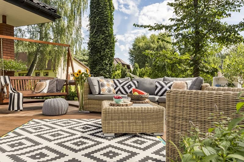 How to Make Your Backyard a Summer Paradise